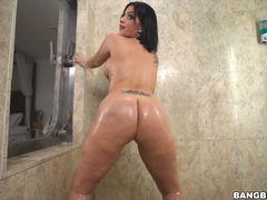 Kitty Caprice the showering booty freak