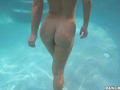 Eva Lovia Returns to Miami