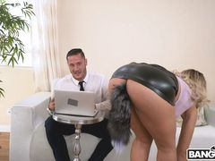 Assh Lee Gets Her Asshole Stretched