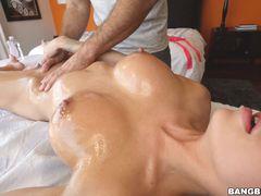 Massaging Jessa Rhodes