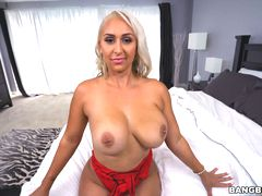 Nina Kayy's for the big tits lovers
