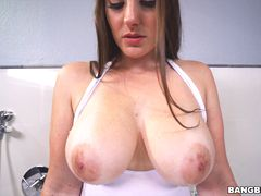 Melanie Hicks Showing off her delicious big tits