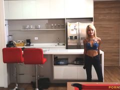 Colombian Whore Emmily likes getting smutted out