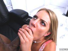 Candice Dares the Bootyoligist